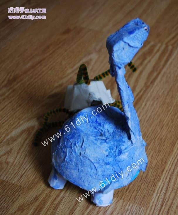 蛋托手工制作小恐龙