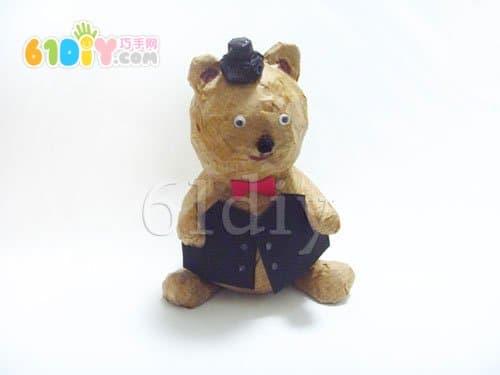 报纸废物利用手工制作小熊