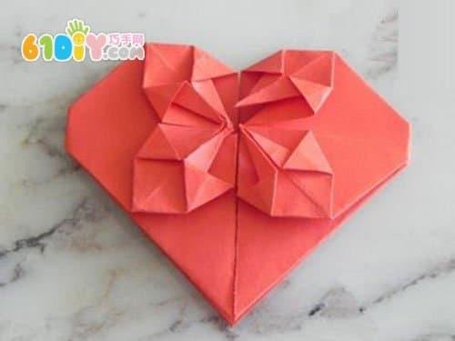 情人节漂亮爱心折纸图解