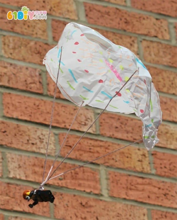 儿童手工 利用废塑料袋制作降落伞