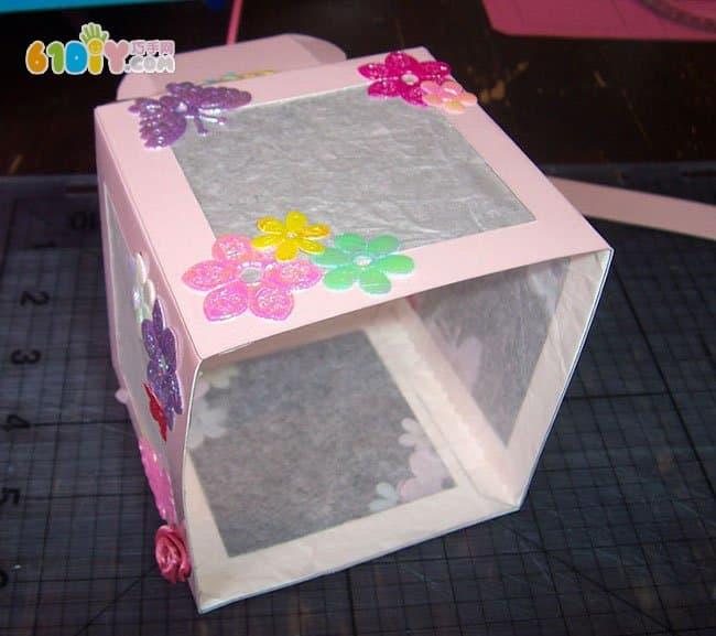 儿童手工制作漂亮的卡纸灯笼